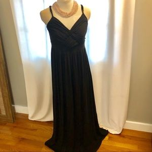 Black flowy maxi dress w/ adjustable straps